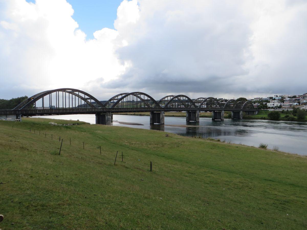 Balclutha New Zealand  city photos : balclutha road bridge 1933 1935 die brücke führt den new zealand ...
