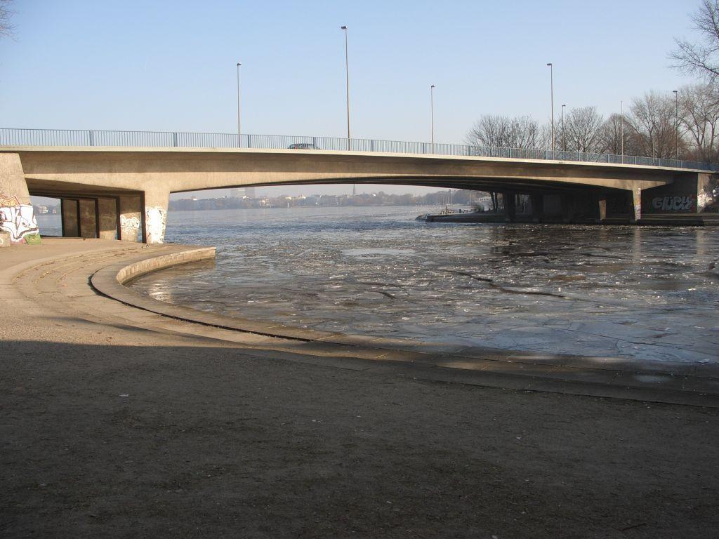 Kennedy Brücke