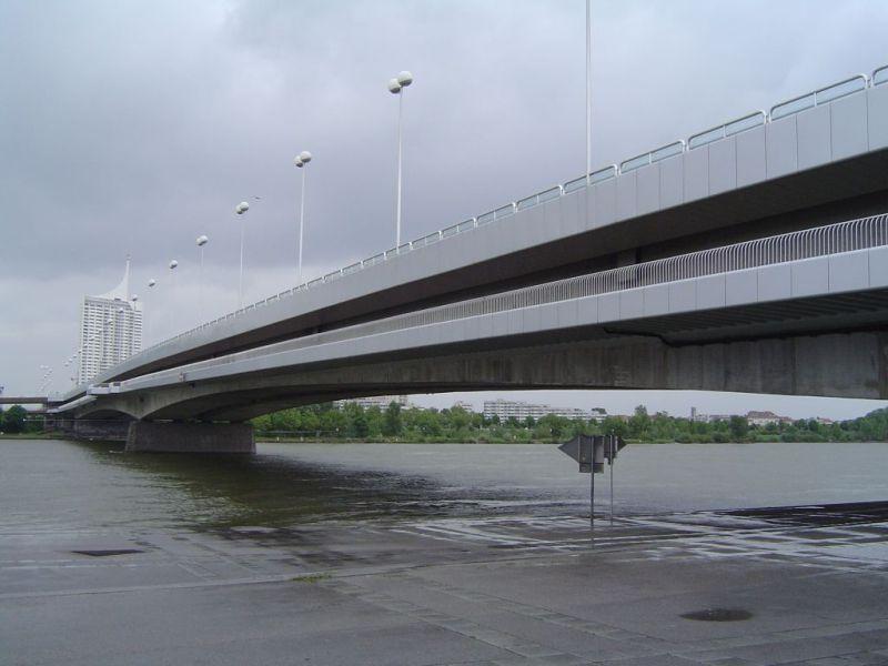 Donaubrücken in Österreich